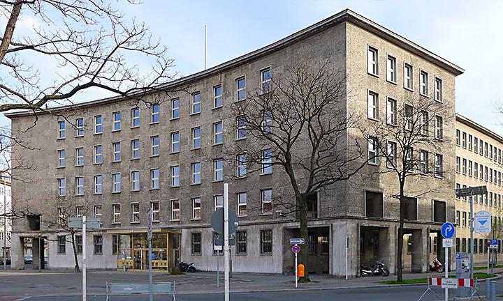 techlogis Ingenieurbüro Berlin ebäudetechnik Fernmelde- und Informationstechnische Anlagen Starkstromanlagen Fehrbelliner Platz 1